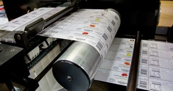 hally_labels_printing_services_understanding_labels_adhesive_types_355x187-2